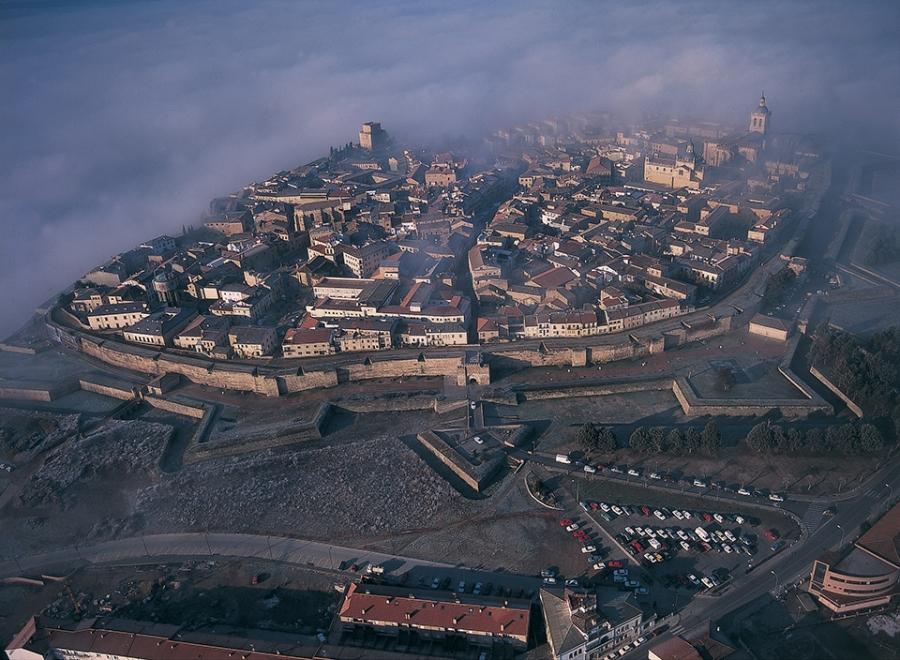 Ciudad Rodrigo (a 85 kilómetros de Salamanca)